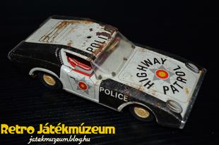 EHRI Highway Patrol lendkerekes autó