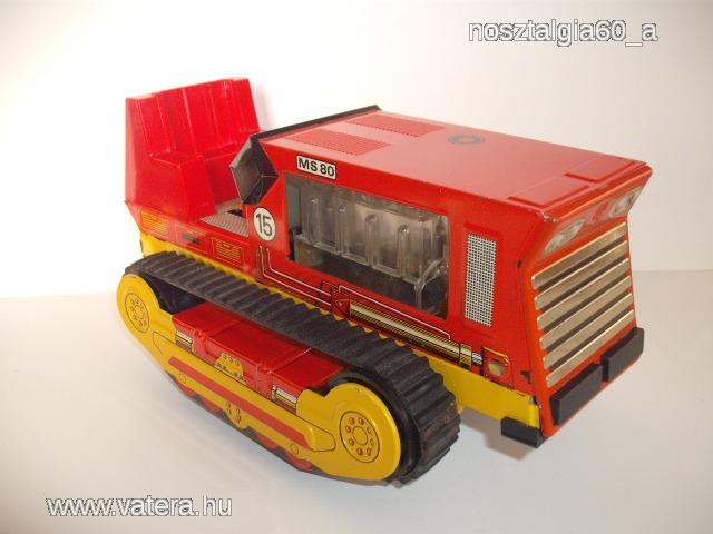 regi-reto-nagymeretu-lemezjatek-lanctalpas-traktor-az-ndk-bol-ms-80-felirattal-ea1a_1_big.jpg