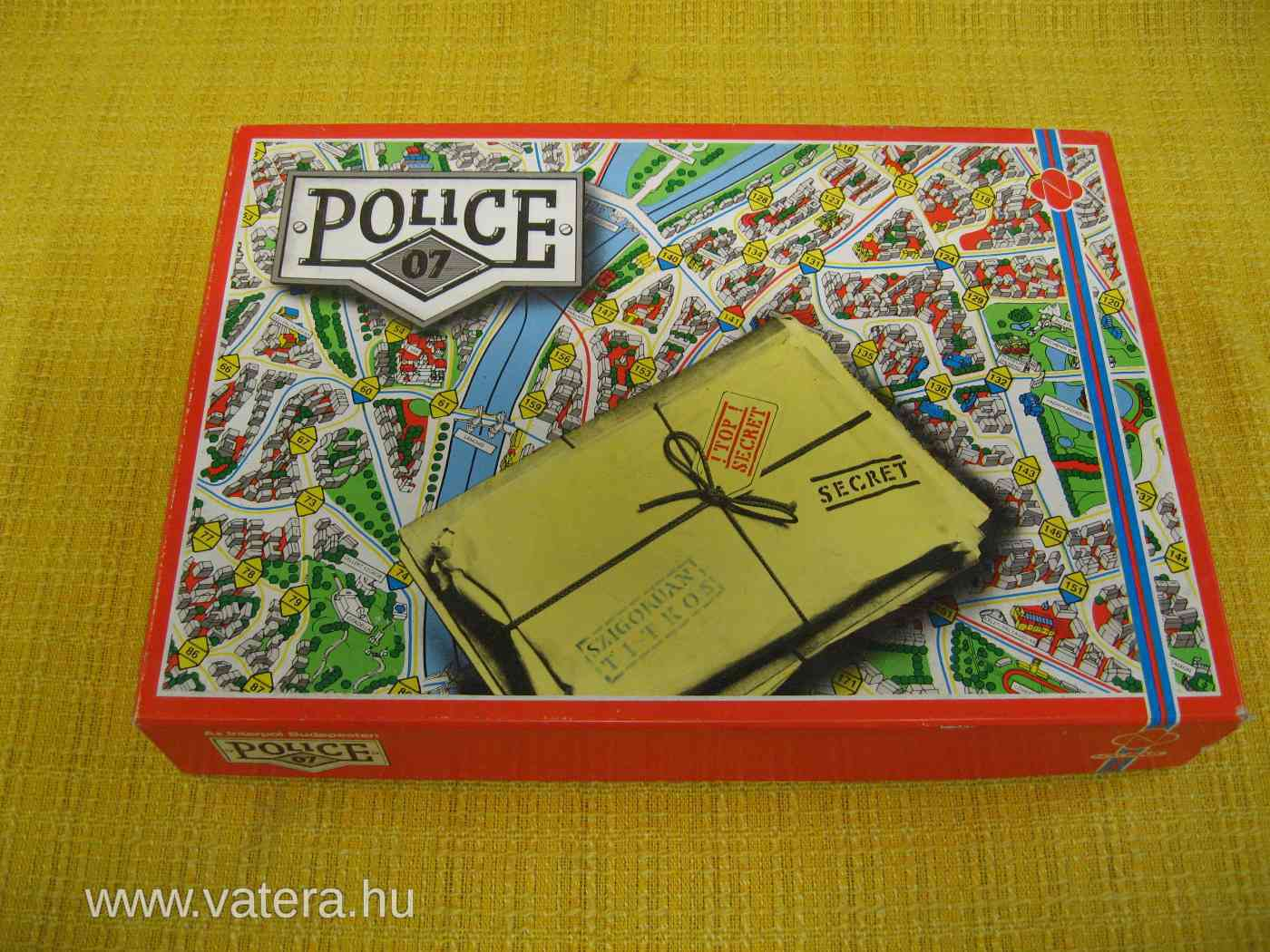 novoplast-police-07-regi-retro-tarsasjatek-5e1a_1_big.jpg