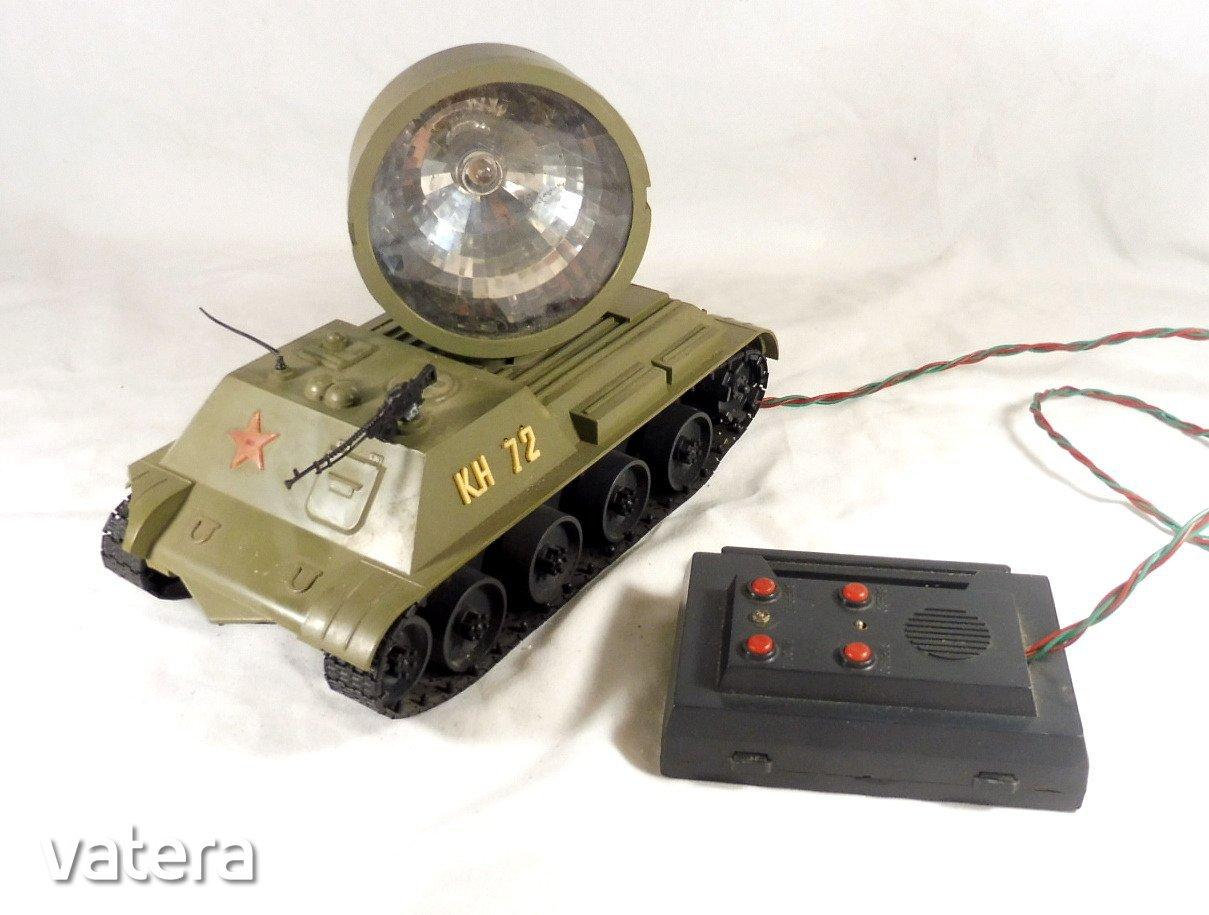 regi-taviranyitos-jatek-szovjet-tank-harckocsi-reflektorral-717a_1_big.jpg
