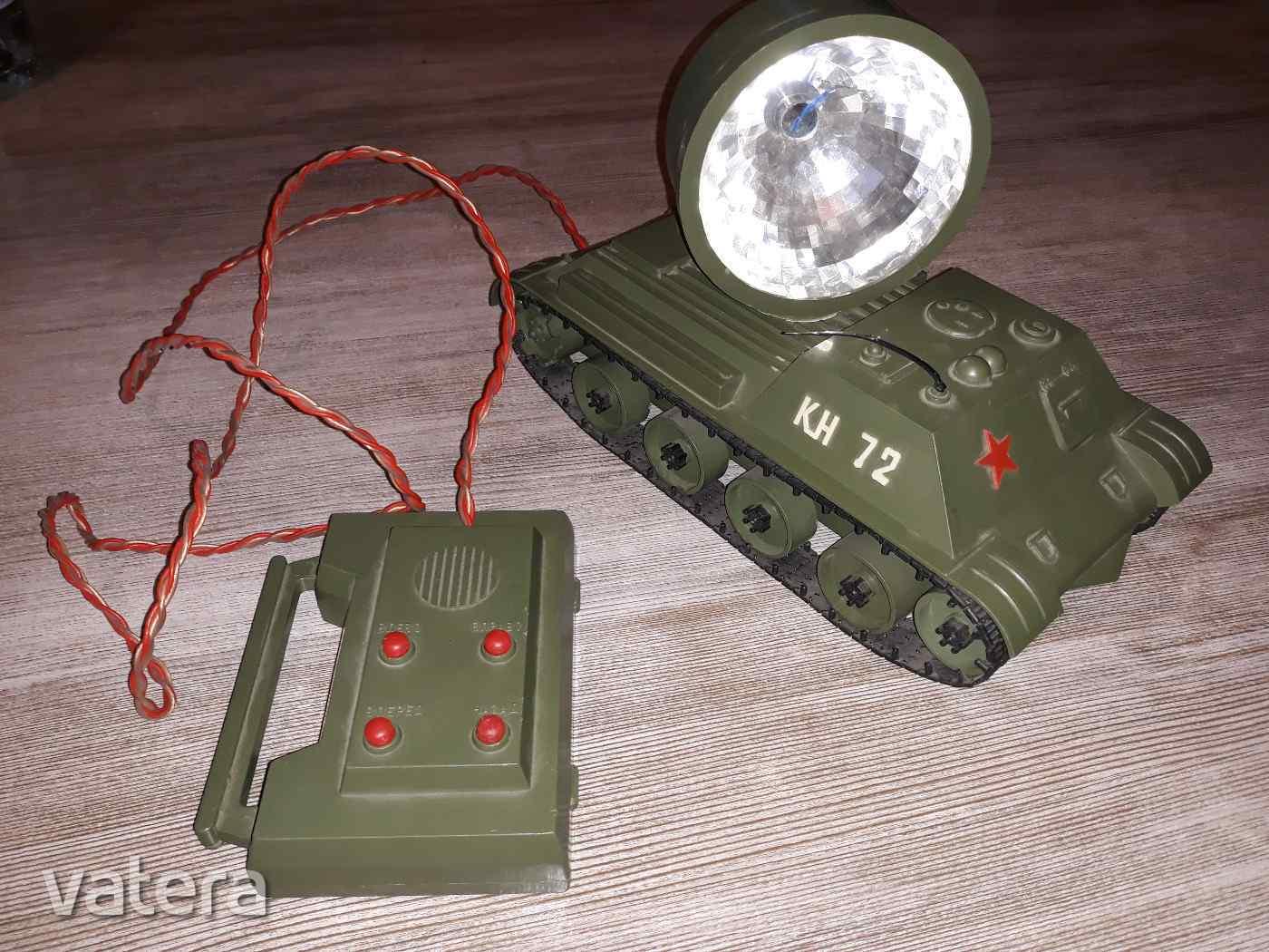 regi-retro-orosz-reflektoros-harckocsi-taviranyitos-baca_1_big.jpg