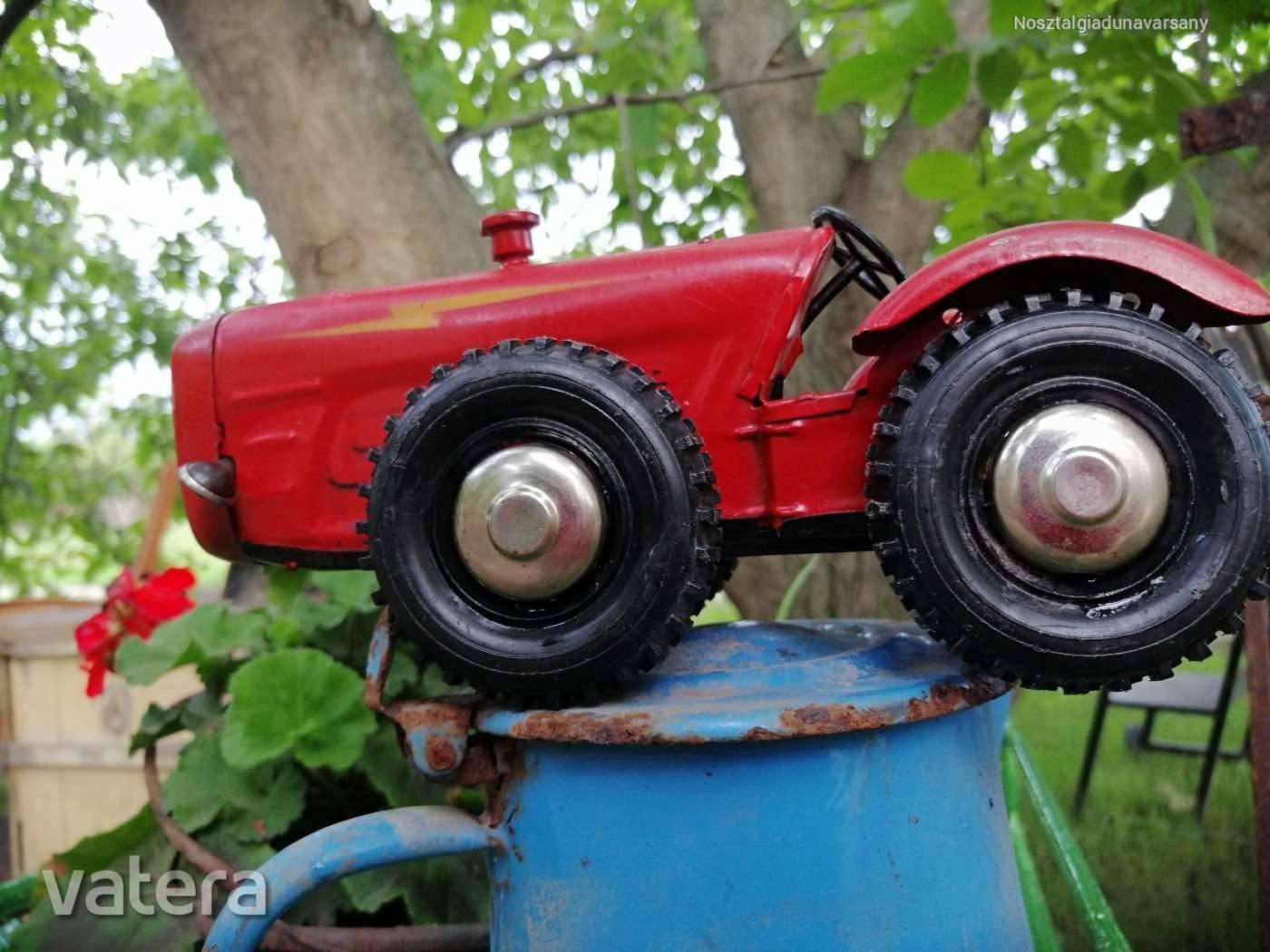 dutra-lemez-jatek-traktor-08ea_1_big.jpg