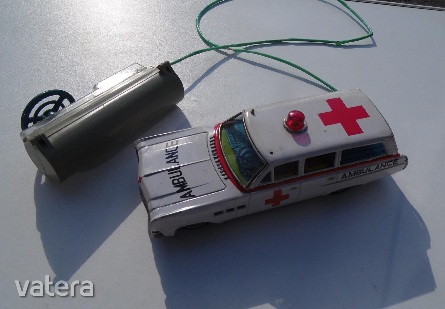 regi-retro-mentoauto-ambulance-made-in-japan-lemez-auto-jatek-0dea_1_big.jpg