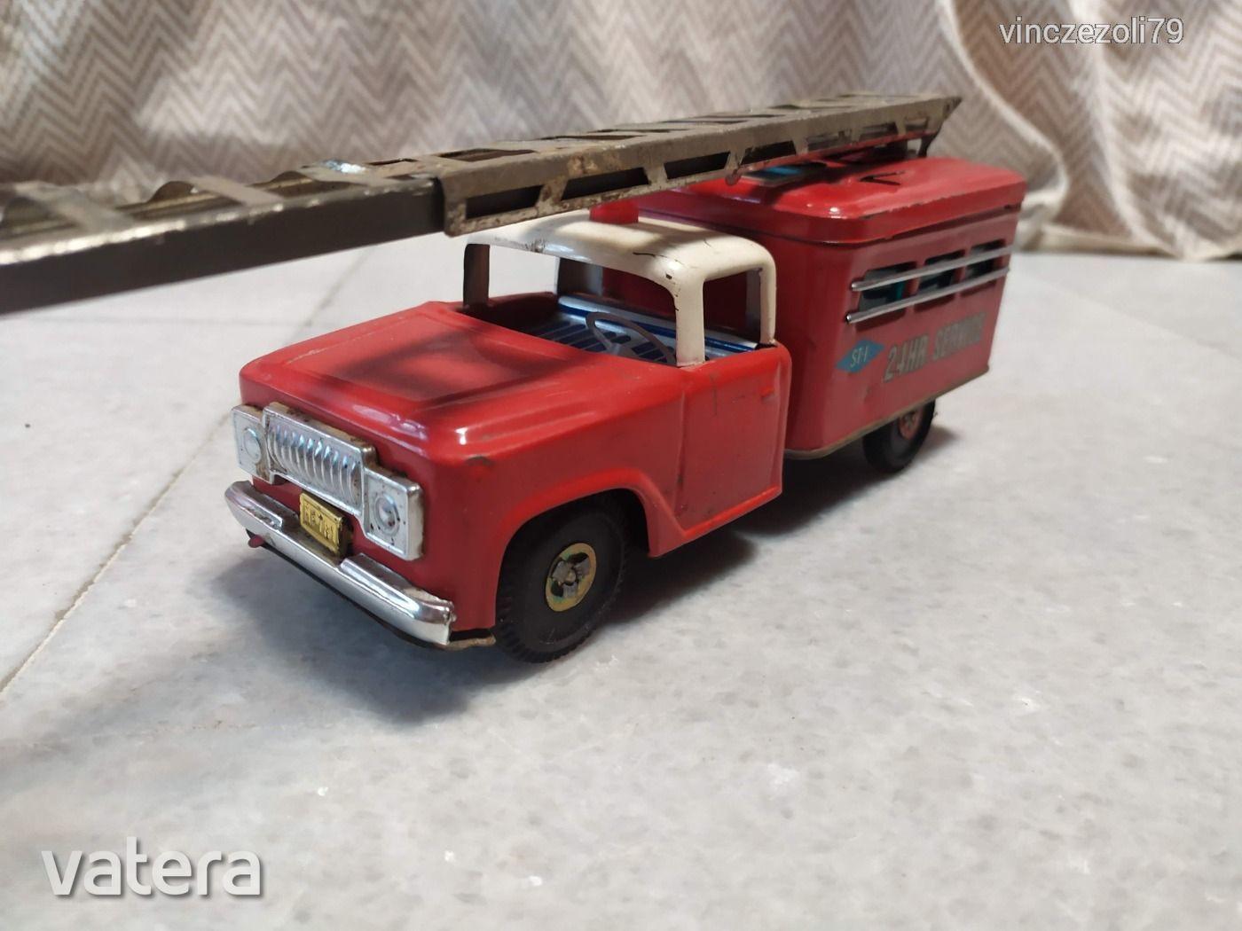tuzoltoauto-retro-fem-kisauto-19fa_9_big.jpg