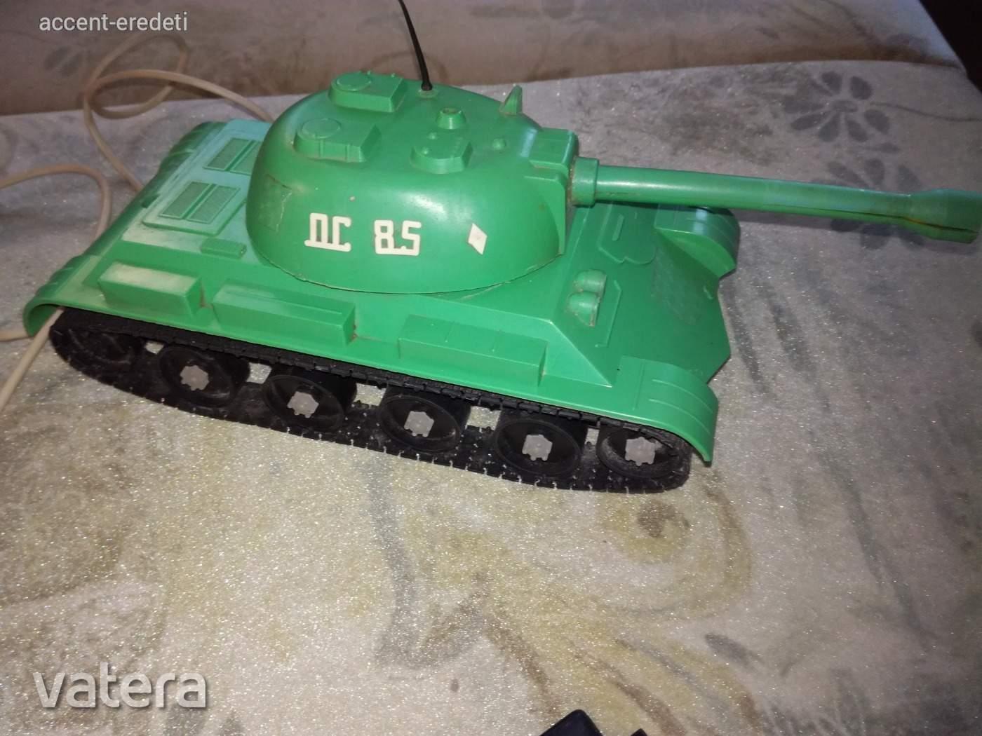 oc-85-taviranyitos-szovjet-muanyag-tank-fdfa_6_big.jpg