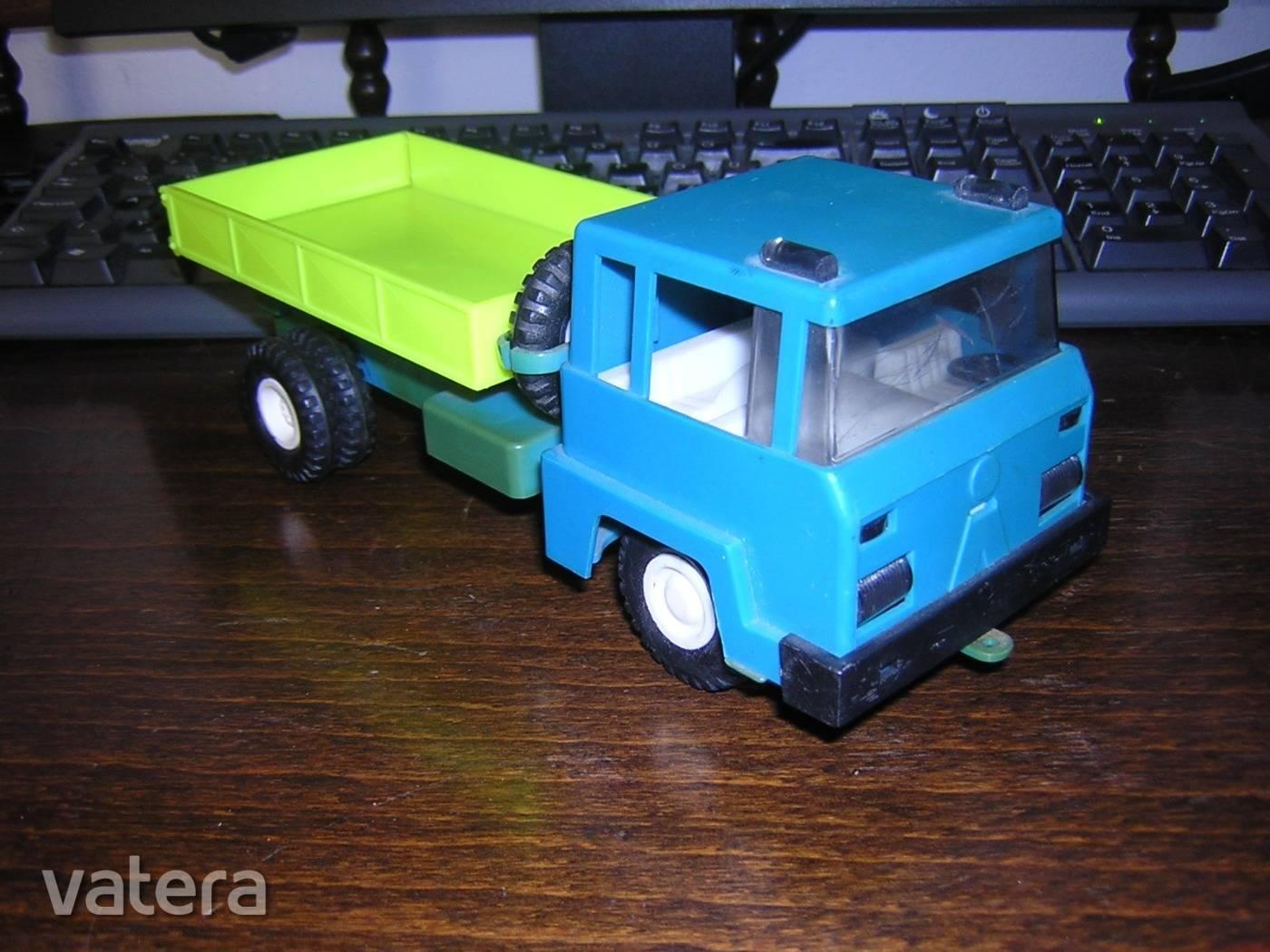 retro-plasticart-billencs-jatekauto-ndk-kisauto-c51b_3_big.jpg