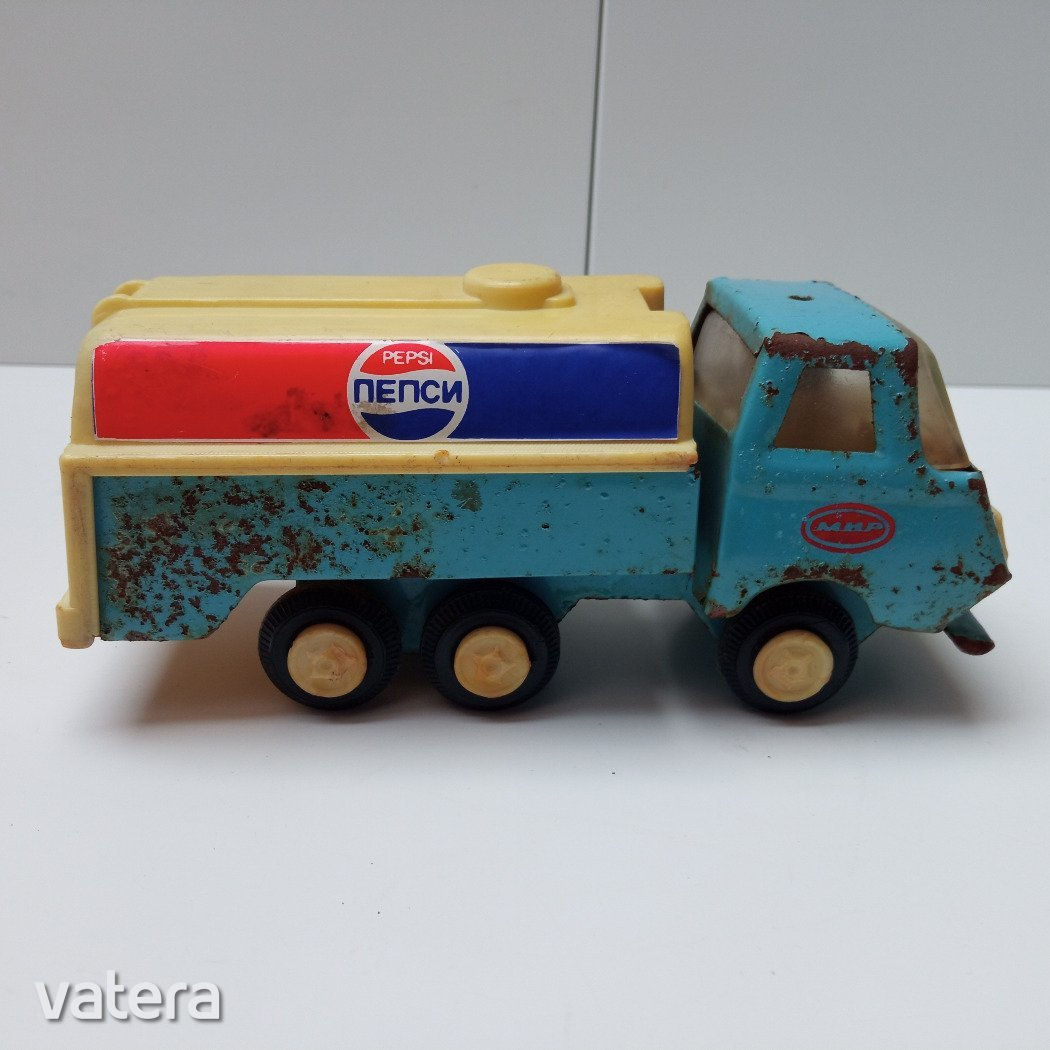 regi-orosz-lemez-jatekteherauto-pepsi-felirattal-424b_1_big.jpg
