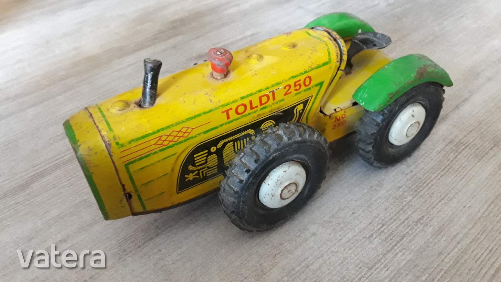 lemezjatek-toldi-250-traktor-olyan-mint-a-dutra-lemezarugyari-e36b_2_big.jpg