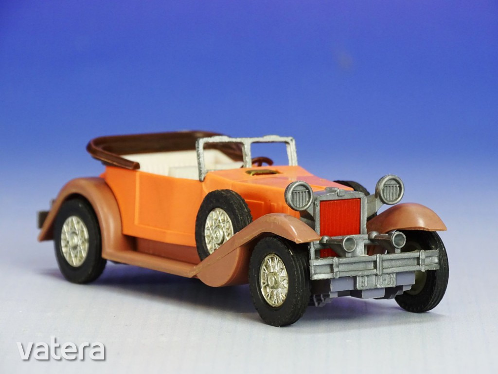 0i725-veteran-cabrio-auto-11-cm-708b_1_big.jpg