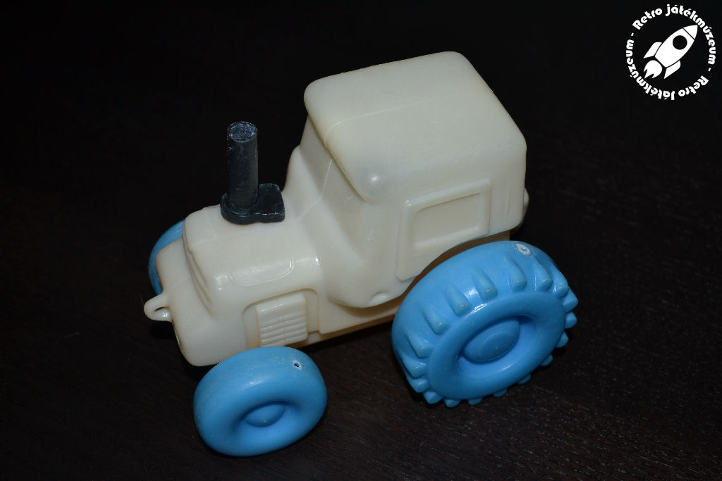 muatraktor_1.JPG