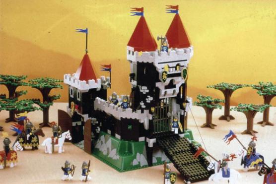 556px-castle_proto_u.png