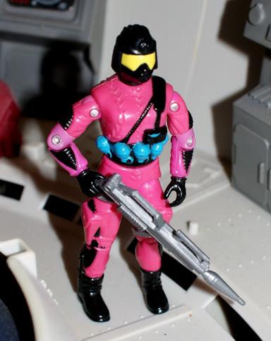 """A """"névtelen"""" Cobra harcos figurája"""