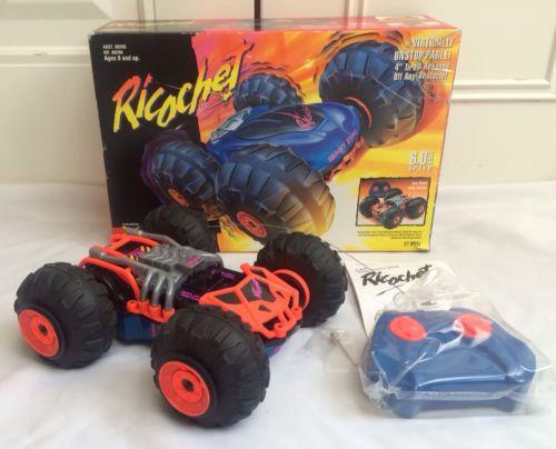 vintage-r-c-1995-kenner-tonka-co-ricochet-xrc-r-c-6-0-volt-radio-control-car-da15a8f80ef74763dd60f755453c7605.jpg