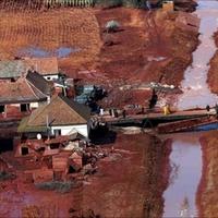 Vörösiszap-évforduló: ahelyett, hogy tanulnánk, várunk a következő katasztrófára