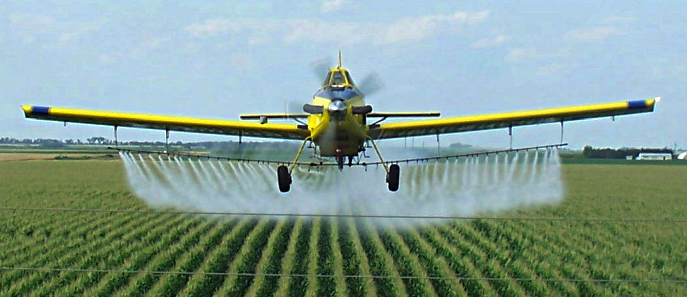 field-spray-corn-cropduster-crop.jpg