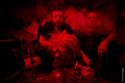 mombu_smoke.jpg