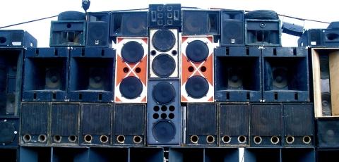 sound-system-speaker-wall_jam.jpg