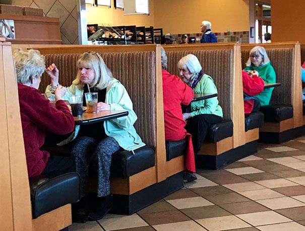 look-alikes-doppelgangers-52-58e49bb1da147_605.jpg