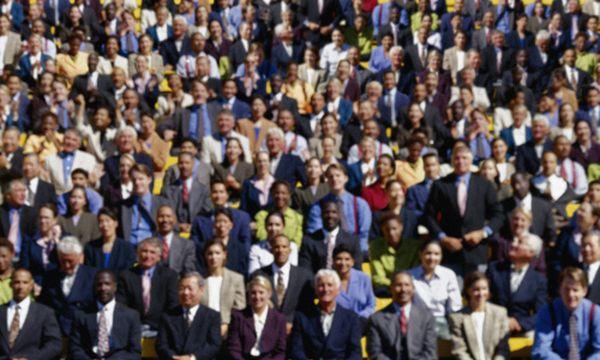 crowd0.jpg