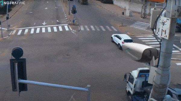 traffic0.jpg