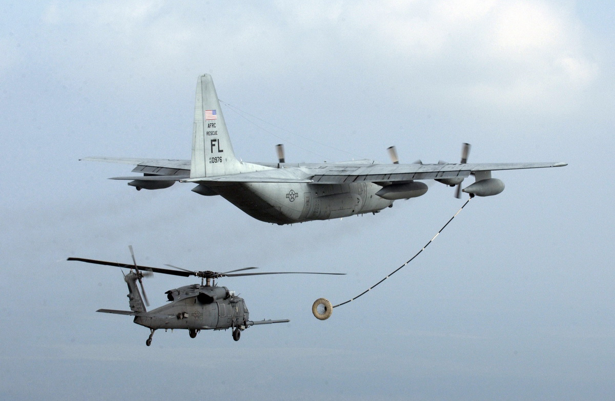 helicopter_aerial_refueling.jpg