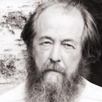 A kommunizmus bűneinek keresztény krónikása: száz éve született Szolzsenyicin