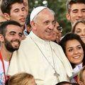 Hogyan ítélik meg a mai vallásosságot és benne Ferenc pápa szerepét az olasz fiatalok?