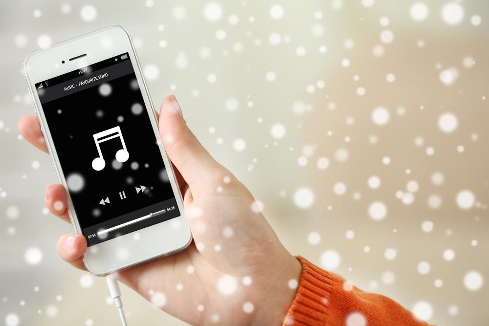 Így karácsonyítsd a telefonodat!