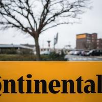 Erős, büszke. európai: 900 milliós állami támogatásból dolgoztatja 40 fokban rosszullétig a munkásokat a Continental