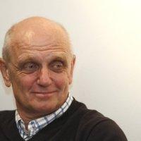 Világok harca – válasz György Péternek