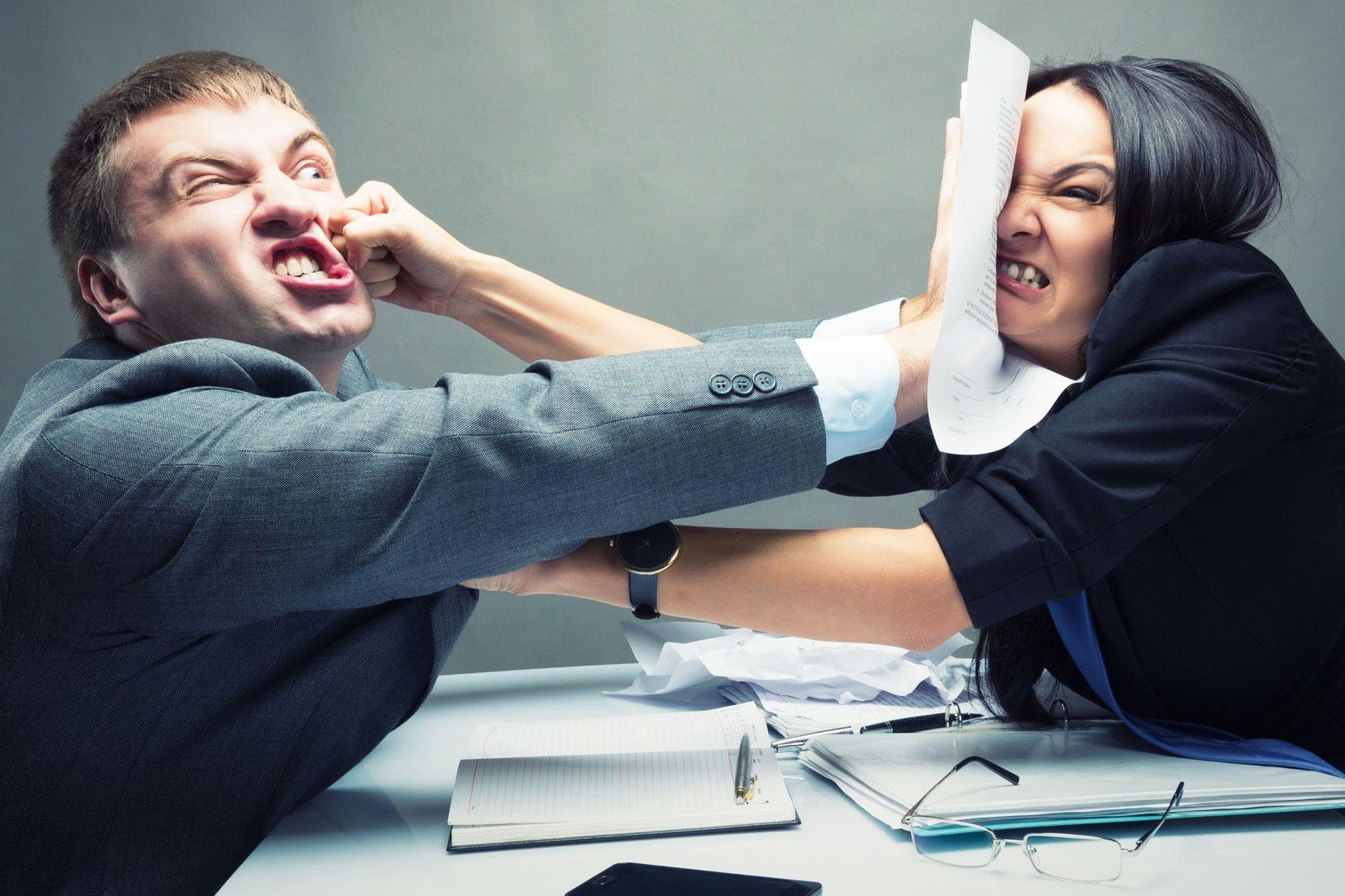 hogyan-viselkedjunk-a-munkahelyen.jpg
