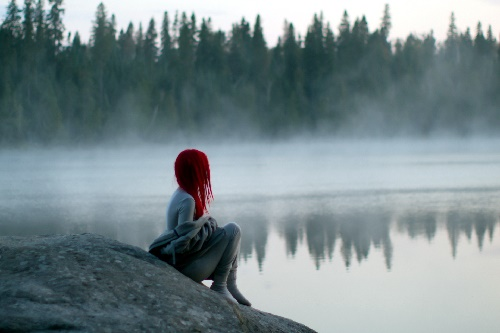 alone-girl-near-river-waiting-for-you-hd-wallpaper.jpg