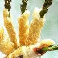 Szezámmagos-baconos spárga grissini