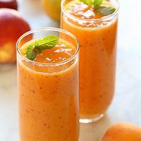 Mangós-sárgabarack smoothie