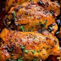 Pikáns csirkecombok, házi fűszerezéssel