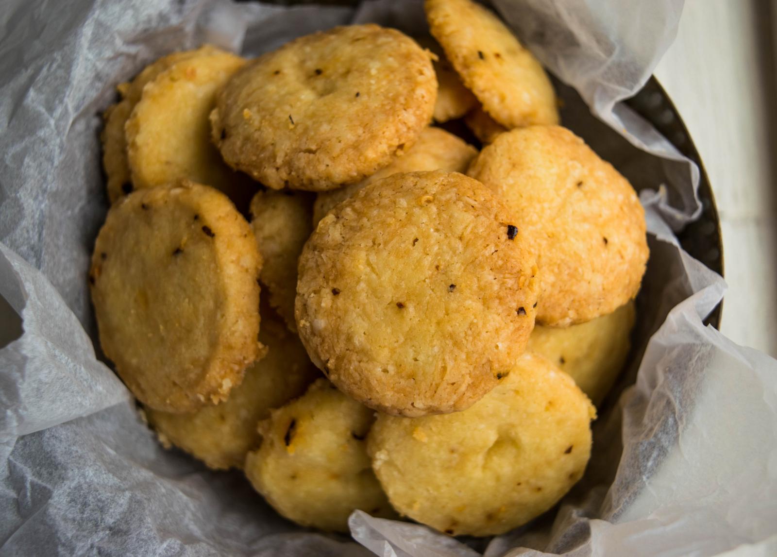 parmesan_cheese_biscuits.jpg