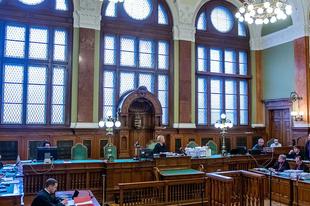 Nehézkesen döcögnek az újraindított bíróságok