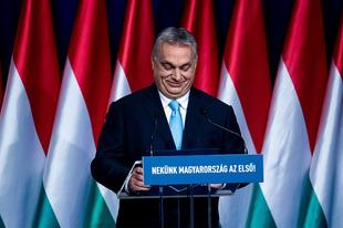 Most már két puska van a színpadon, amit Orbán bármikor elsüthet