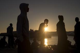 Indokolatlan a válsághelyzet, de így megúszható a menekültek ellátása