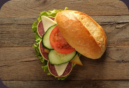 szalamis-szendvicsek_jokenyer_hu.jpg