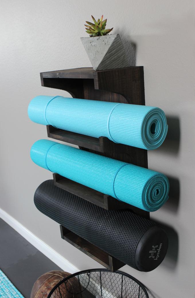diy-yoga-mat-rack11.jpg
