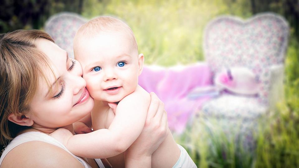 mothers-3389671_960_720.jpg