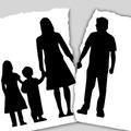 Szülői felügyelet (I.), tartásdíj (II.), kapcsolattartás / folyamatos - időszakos / (III), lakáshasználat (IV.) –  egyezség