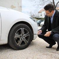 Egy felmérés szerint az autósok 12%-a múlt héten még nyári gumival közlekedett