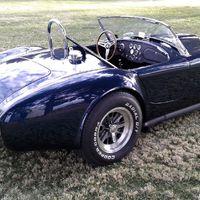 Cooper Cobra a Shelby Cobrának