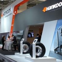 Speciális busz- és teherautóabronccsal készül Hannoverre a Hankook