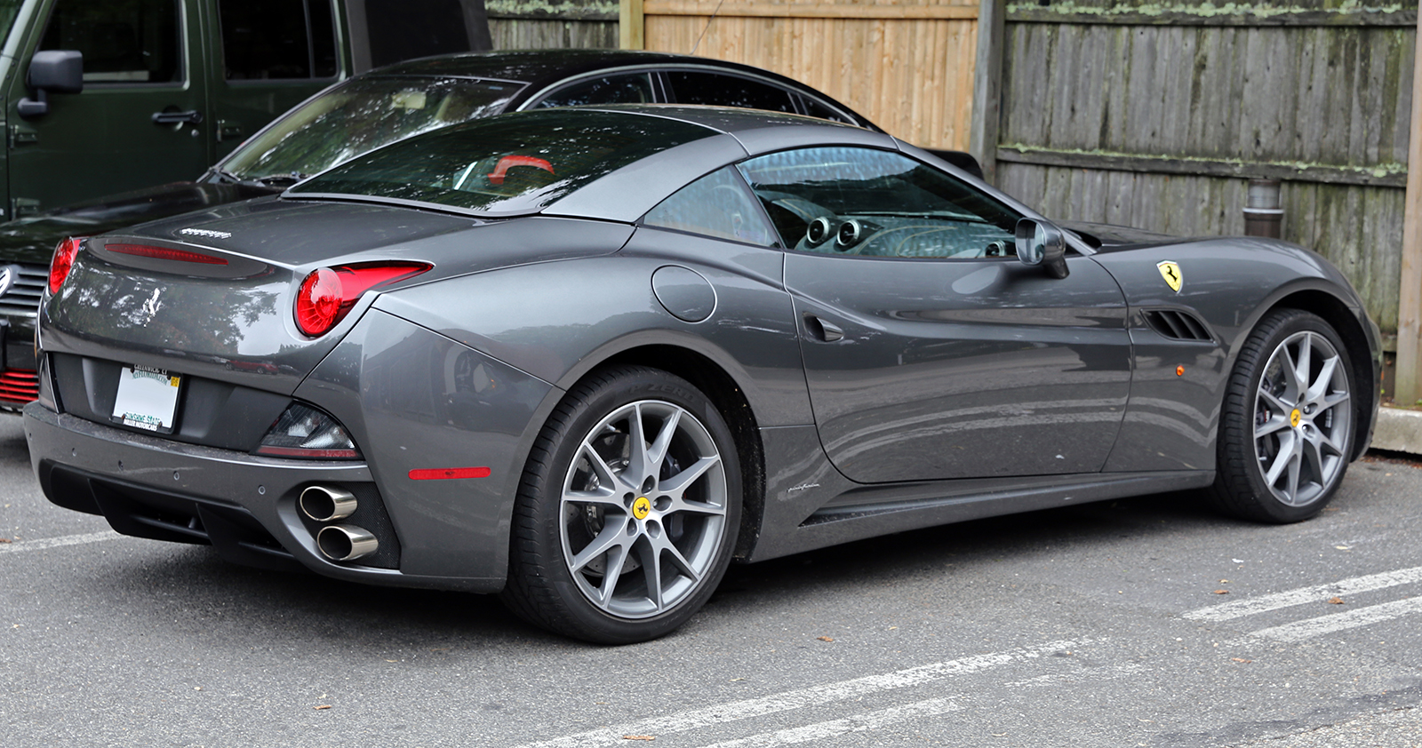 2014_ferrari_california_grey_rear_right.jpg