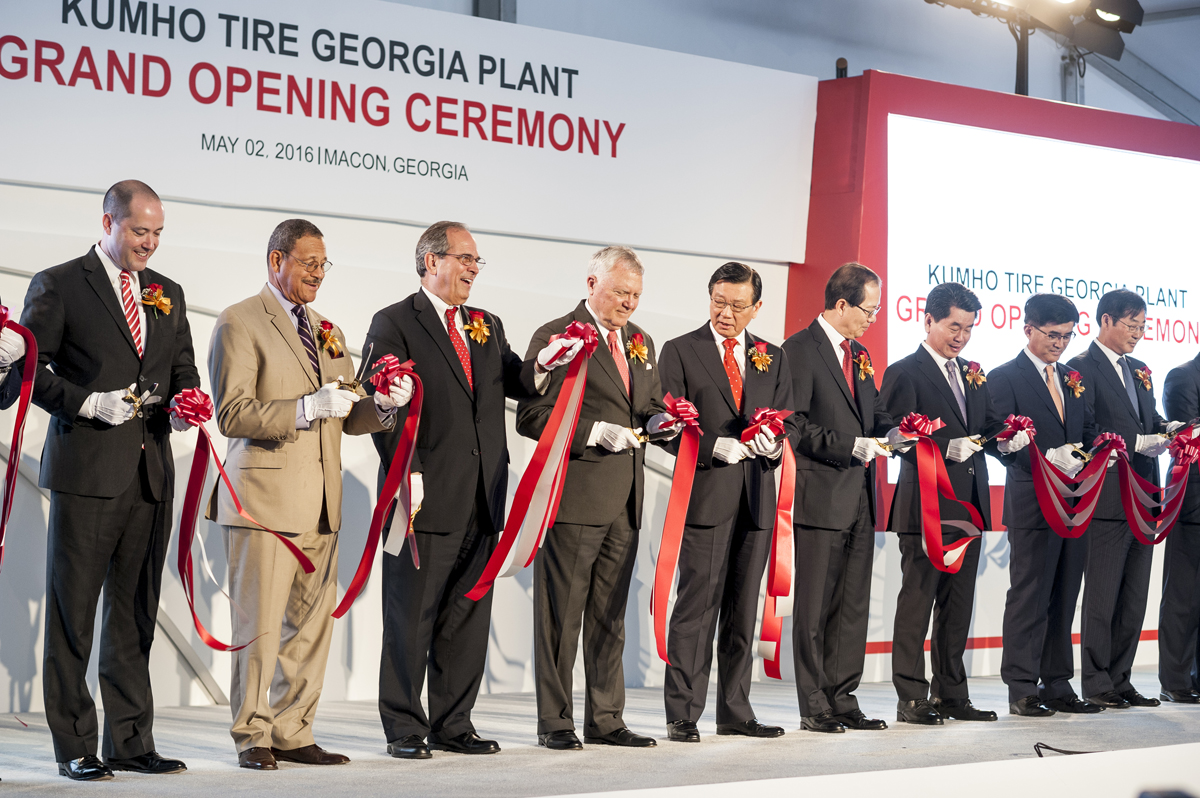 kumho_opens_new_plant_in_the_us.jpg