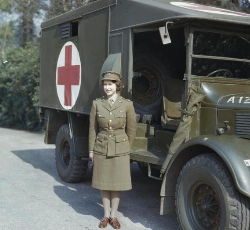 queen_princess_elizabeth_in_april_1945.jpg