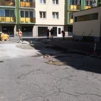 Barátság utca belső parkoló útburkolati javítása